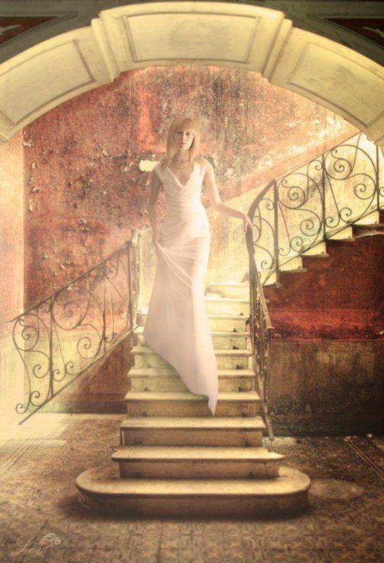 лестница, перила, девушка, свет, яркость, белое платье, блондинка photo preview