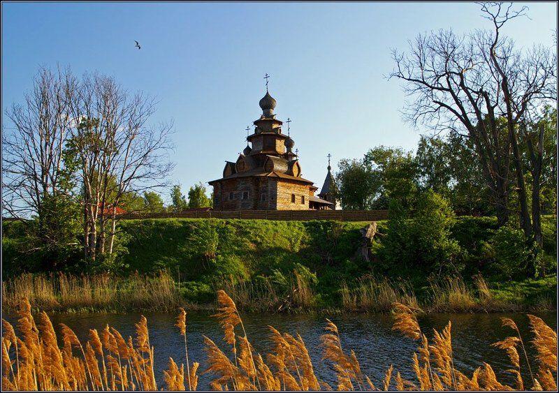 суздаль, церковь, река, крест Суздальphoto preview
