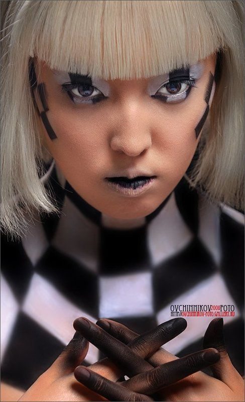 New about a chess queen ...photo preview