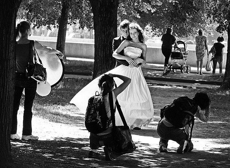 свадьба, молодожёны, люди, ч/б Прекрасное далёкоphoto preview