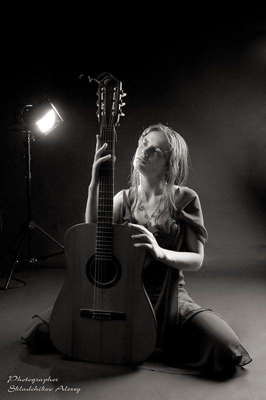 гитара, девушка, юля, фотостудия, alexis-studio.com, фотограф складчиков алексей photo preview