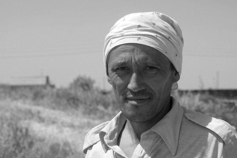 строитель, лето, азия, дон Строитель из Средней Азииphoto preview