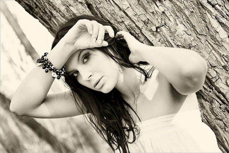 garneta, портрет, девушка, сепия, природа Не с тобойphoto preview