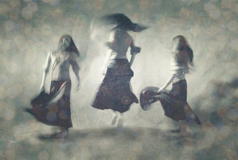 движение, жизнь В ритме невнятного танцаphoto preview