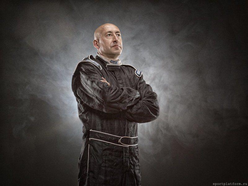 гонщик, ралли, спорт гонщикphoto preview