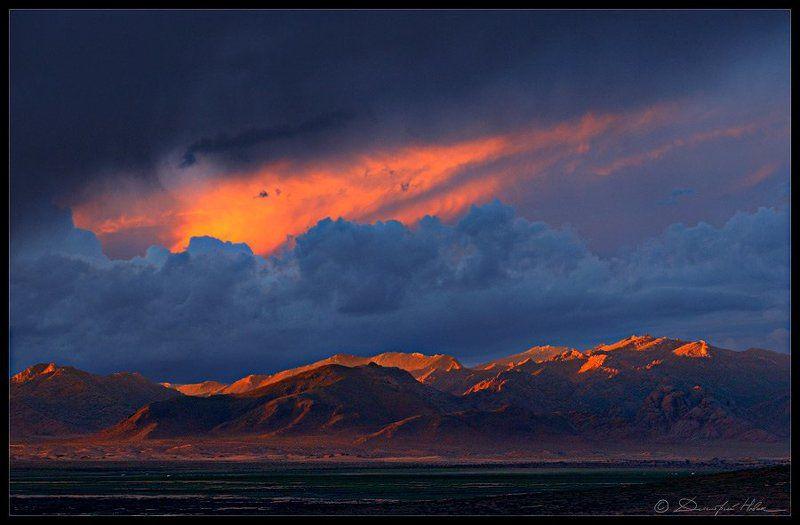 конец света, апокалипсис, закат, горы, монголия последний из днейphoto preview