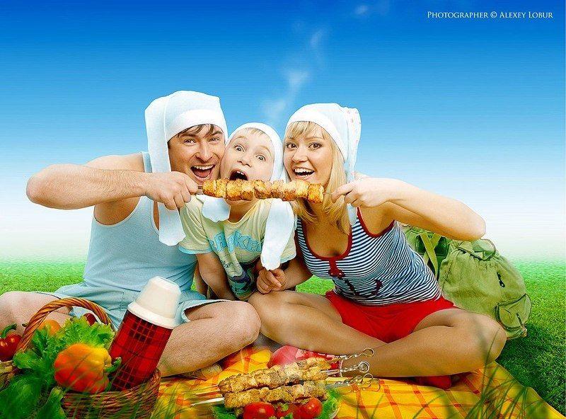 семья, зайцевы, пикник, реклама, ретушь, монтаж, лобур Иллюстрация в каталог продукцииphoto preview