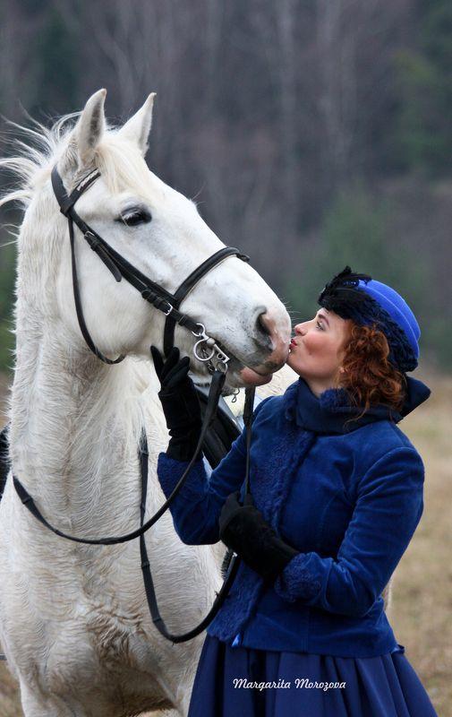 Лошадь,женщина Красота спасет мир..photo preview