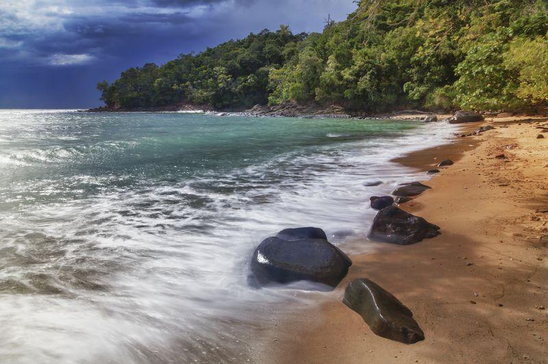 остров, пляж, дикий, океан, вода, камни, волна, красота, природа, пейзаж, Сапи, Малайзия, Борнео, Borneo, Sapi, water, ocean, beautiful, nature, paradise, Malaysia Wild beachphoto preview
