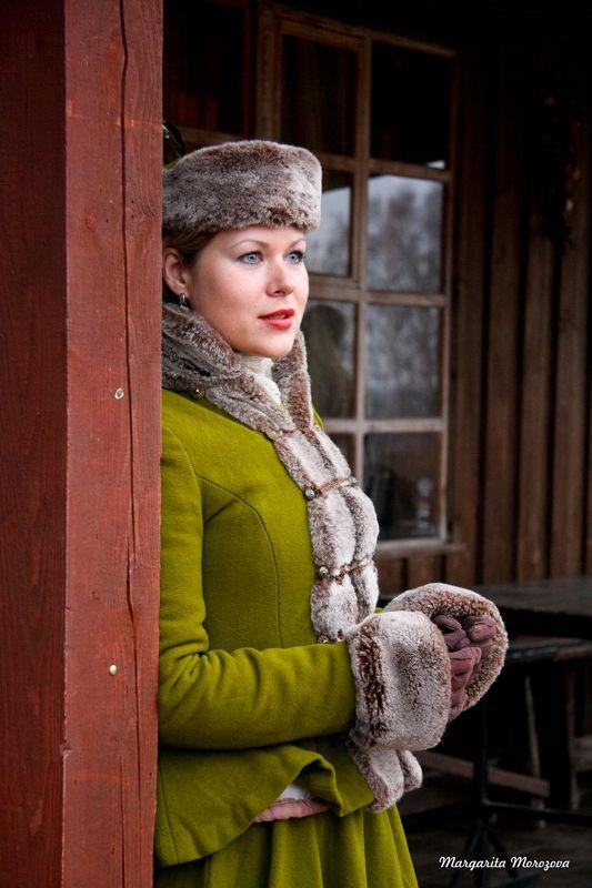 Женщина,костюм,охота Ожиданиеphoto preview