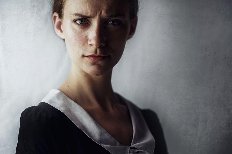портрет, девушка, черное платье Светаphoto preview