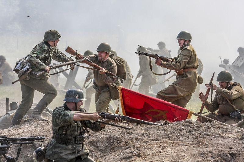 Война,солдаты,знамя,9 мая Памятьphoto preview
