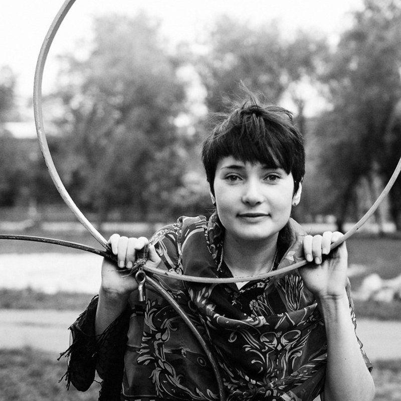 Портререт, Портрет девушки, Чб с ключикомphoto preview