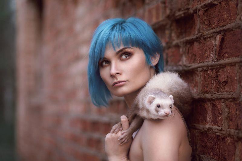 девушка волосы хорек портрет Рената с другом)photo preview
