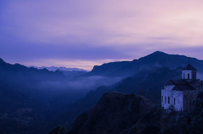 кчр, храм, шоан Вечерний вид на монастырь Х века, на горе Шоана.photo preview