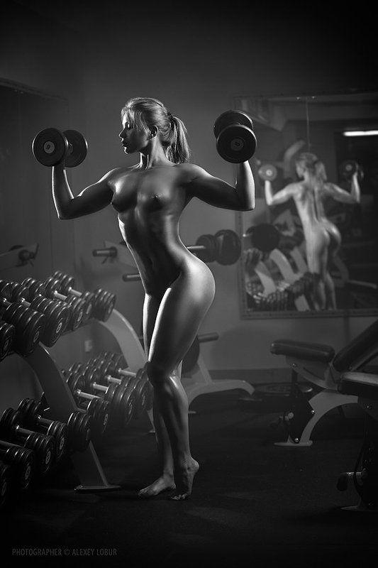 фитнес, бодибилдинг, девушка, ню, зал, лобур, ретушь fitness instructorphoto preview
