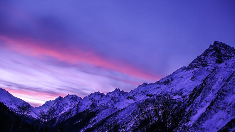 домбай, алибек, кчр, горы aurora of the Dombay gladephoto preview