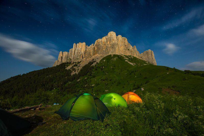 Адыгея, Россия, Кавказ, горы, звезды, Большой Тхач, ночь, полнолуние Большой Тхач в полнолуниеphoto preview