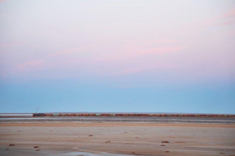 астрахань озеро соль баскунчак закат россия Соленое озеро Баскунчакphoto preview