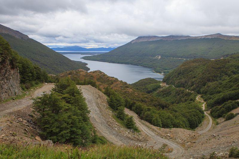 озеро, дорога по дороге на озероphoto preview