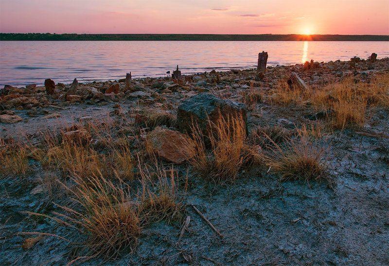 закат лиман Куяльник сухая трава камни Закат над Куяльникомphoto preview