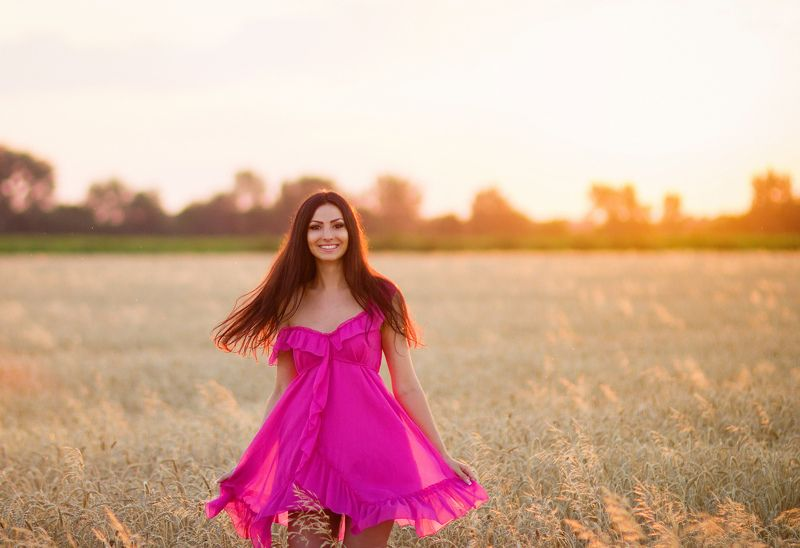 #backlight #field #girl #prettily #westering #wheat  Iraphoto preview