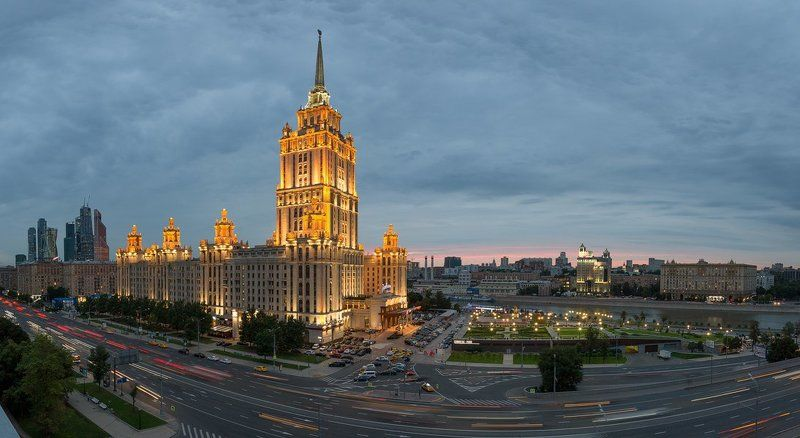гостиница, Украина, Москва, Россия, река Вид на гостиницу Украинаphoto preview