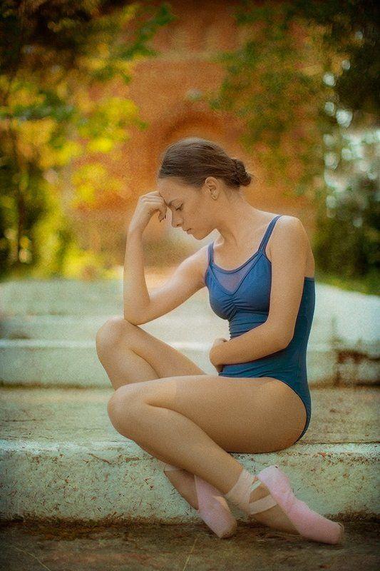 portrait, young woman portrait, ballerina girl, ballerina portrait, fine art, ballet,  a beautiful mindphoto preview