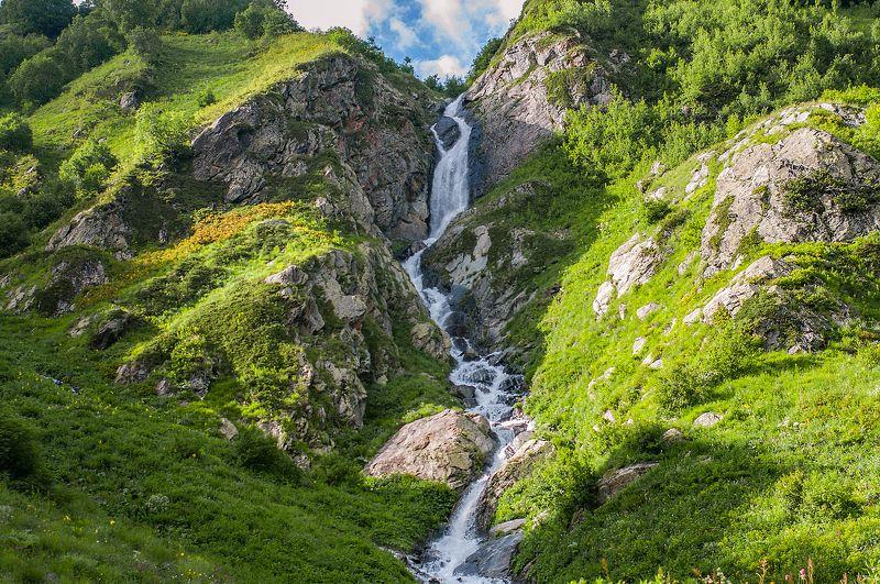 Алибек, Водопад, Гудовцов, Домбай, Кавказ Водопад в ущелье Алибекphoto preview