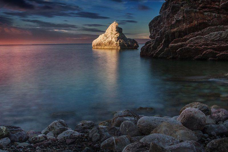 Черногория, рассвет, море, камни photo preview