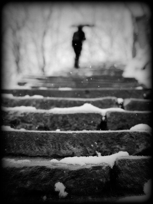 снег, зонт, лестница ***photo preview