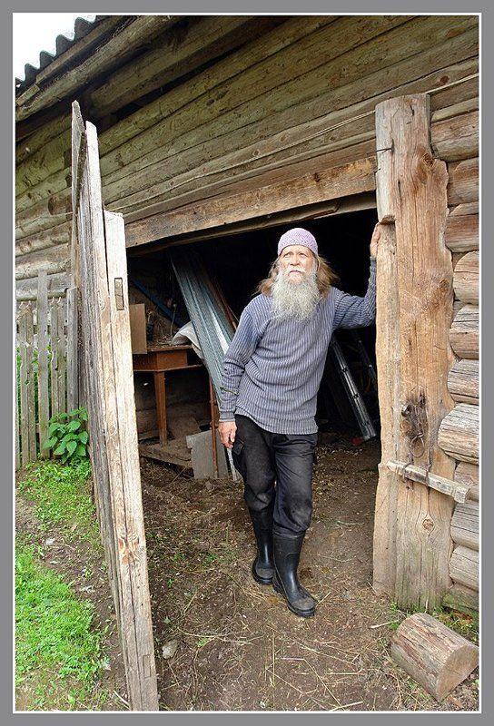 Портрет в деревенском интерьере.photo preview