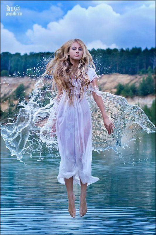 девушка, вода, брызги Прогулки по воде..photo preview