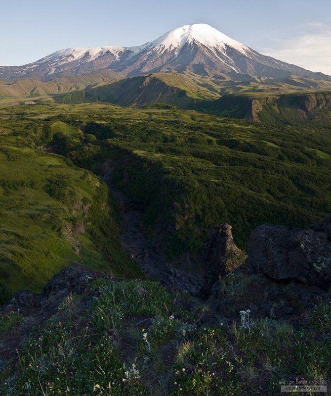 камчатка, вулкан, плоский толбачик, острый толбачик Вид на вулканы Плоский Толбачик и Острый Толбачикphoto preview