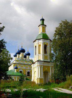 Николо-Рожок. Церковь Успения Пресвятой Богородицы.