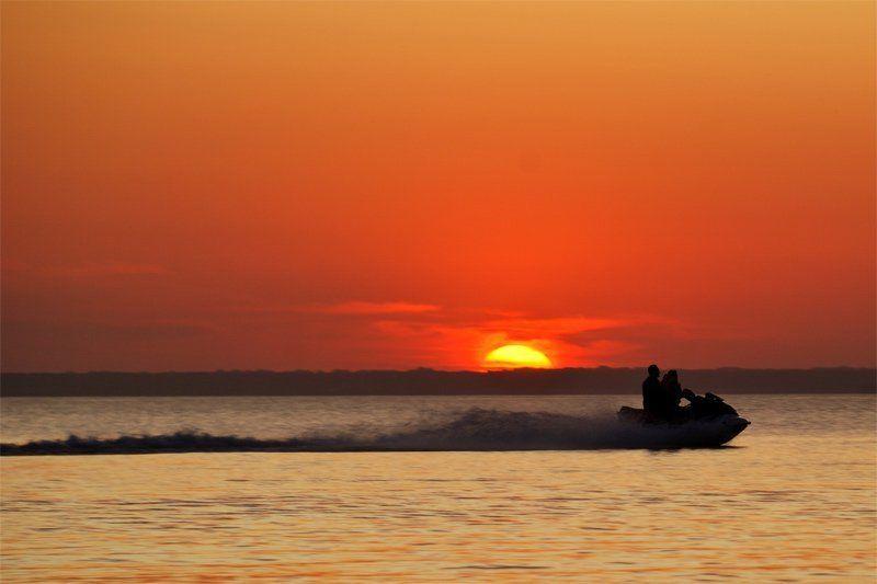 закат, вода, мотоцикл Покатушки на закате.photo preview