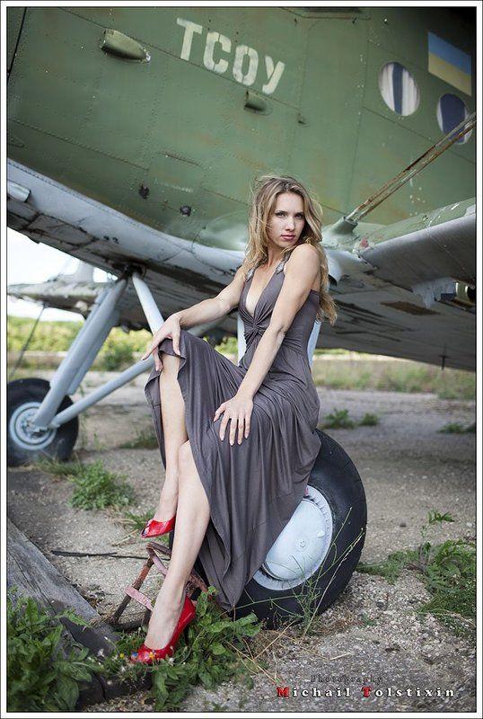 под крылом самолета.....photo preview
