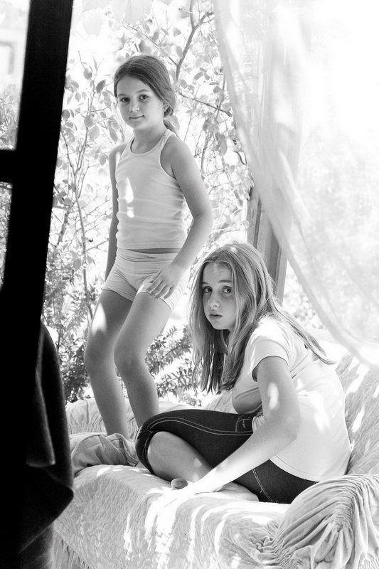двое, пара, веранда, девочки, шторы Воздухphoto preview
