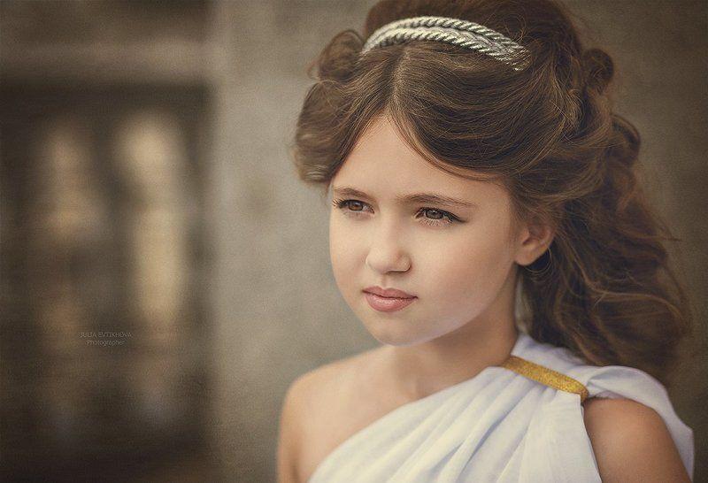 Юная богиня Элладыphoto preview
