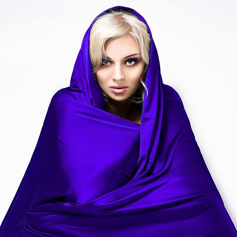 silk, girl, woman, model, view, defiant, aggressive, docile, magic, soul, truth,  Как шёлковаяphoto preview