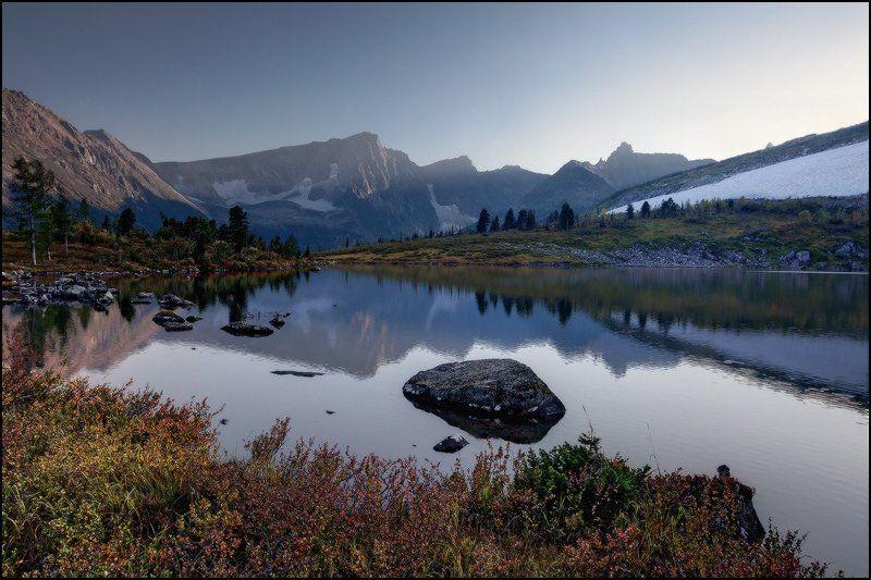 вечер, горы, золотая долина, кузнецкий алатау, озеро круглое, ярославский виталий Слушая Тишинуphoto preview