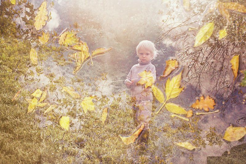 мальчик, осень, листва, мультиэкспозиция Осеннее настроениеphoto preview