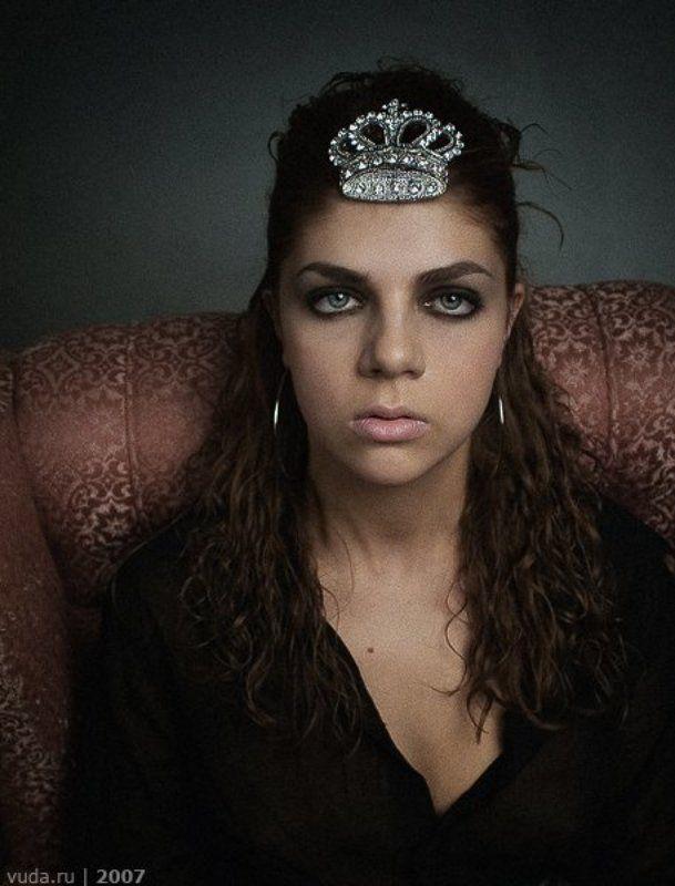 Маша в короне.photo preview
