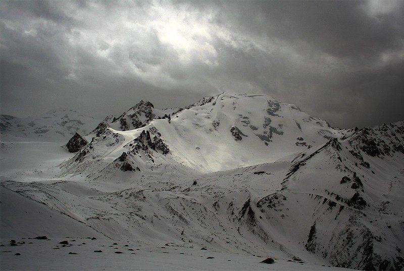 казахстан, заилийский, алатау, природа, горы Тревожное настроениеphoto preview