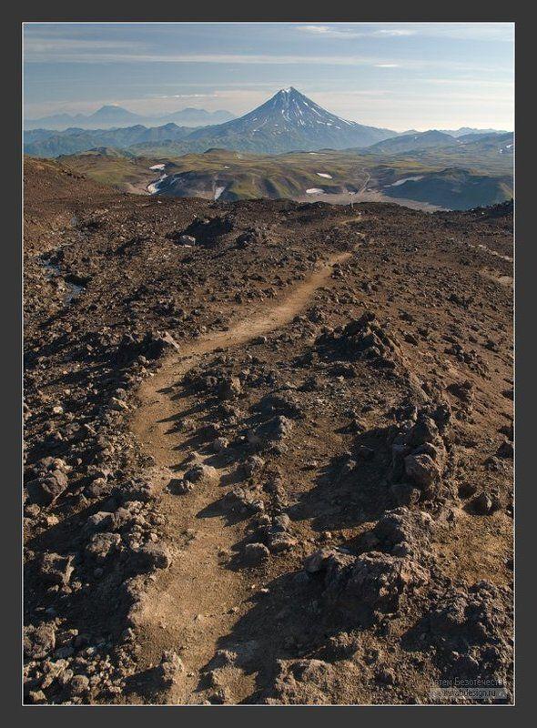 камчатка, вулканы, горелый, вилючинский, авачинский, корякский По тропе спускаясьphoto preview