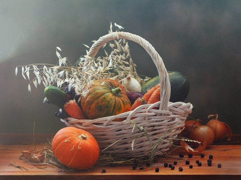 осень, натюрморт, корзина, урожай, изобилие, тыква, овощи, злаки, лук, морковь, кабачки, естественный свет,  Про осень урожайнуюphoto preview