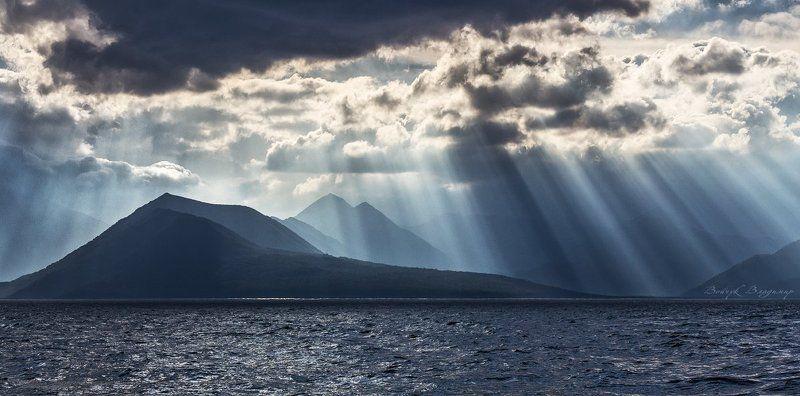 Горы, Камчатка, Облака, Тихий океан Перед бурейphoto preview