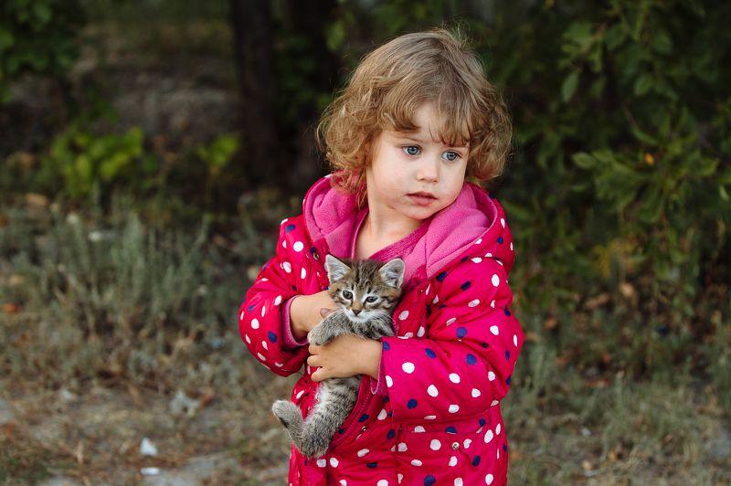 Дети и животныеphoto preview