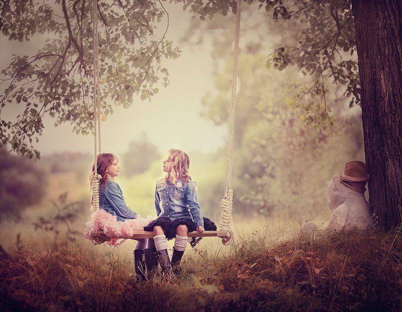 девочки,природа светская беседаphoto preview