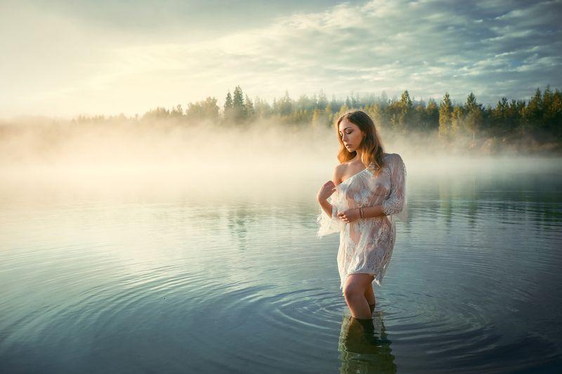 Туман Озеро Девушка Утро Дарьяphoto preview
